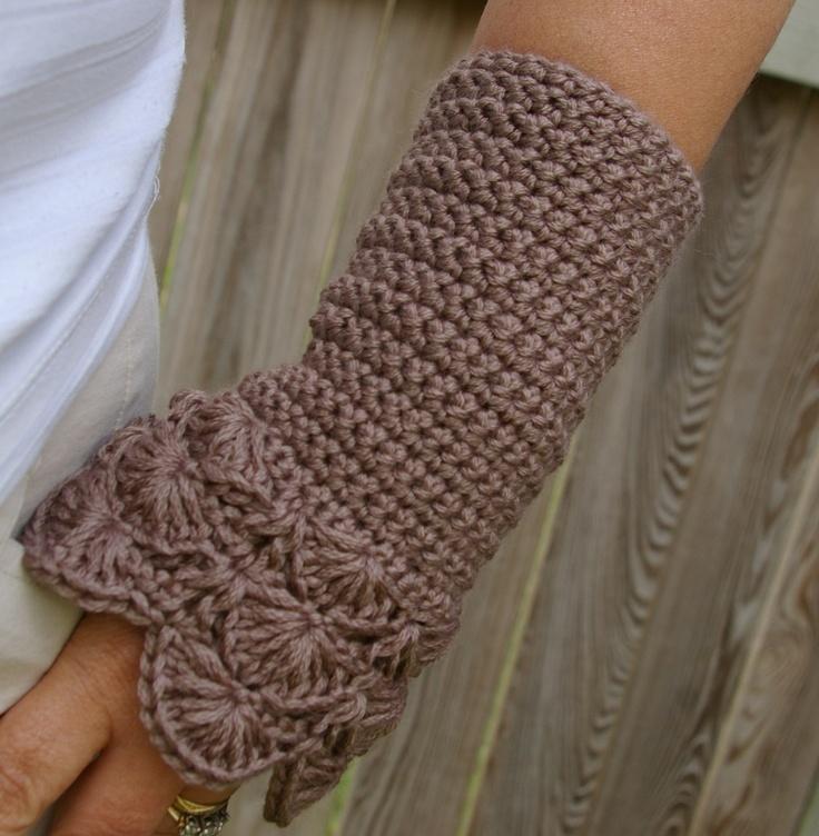 Crochet Pattern Arm warmers in Peacock Pattern PDF