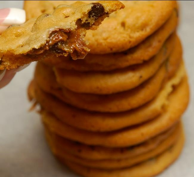 ROLO STUFFED CHOCOLATE CHIP COOKIES. | The Yummy stuff. | Pinterest