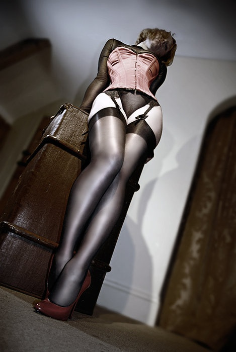 Long Sexy Nyloned Legs 72