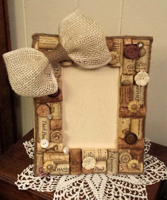Wine cork picture frame https://www.etsy.com/listing/176866168/natural ...