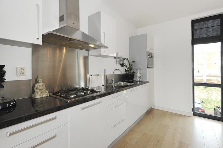 strakke witte keuken  Kitchen  Pinterest