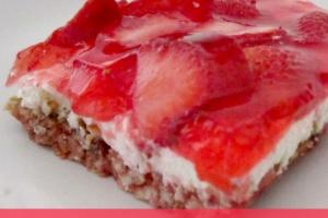 strawberry pretzel squares (+ 50 favorite holiday treats)