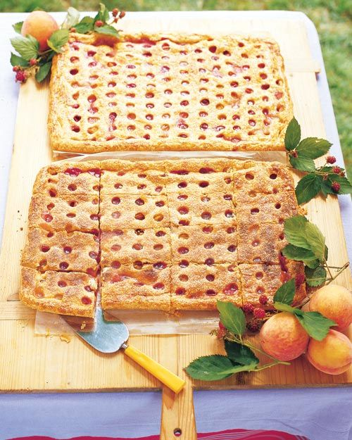 "Apple-Blackberry Pie With ""Fall Leaves"" Pate Brisee Recipes ..."