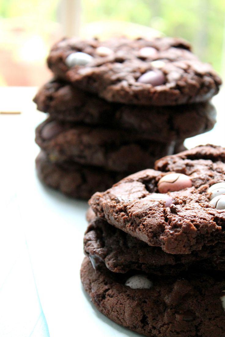 dark chocolate mini egg crackle cookies