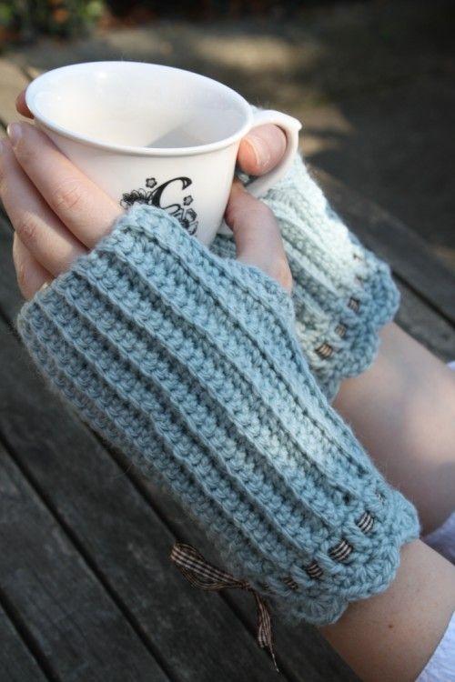 Crocheting Fingerless Gloves : Crochet Fingerless Mittens Crochet crazy! Pinterest