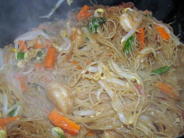 ... the best one yet the best shrimp pad thai recipe this side of world
