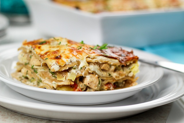 Cheesy Chicken and Artichoke Lasagna - can't wait to try this...and it ...