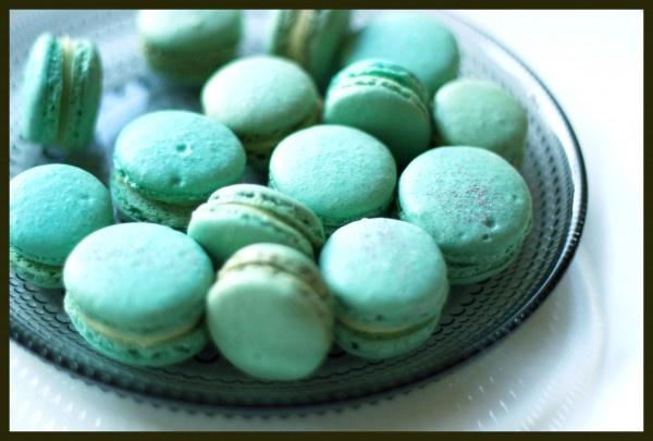 Macarons with lemon verbena and white chocolate ganache | Cake,Cupcake ...