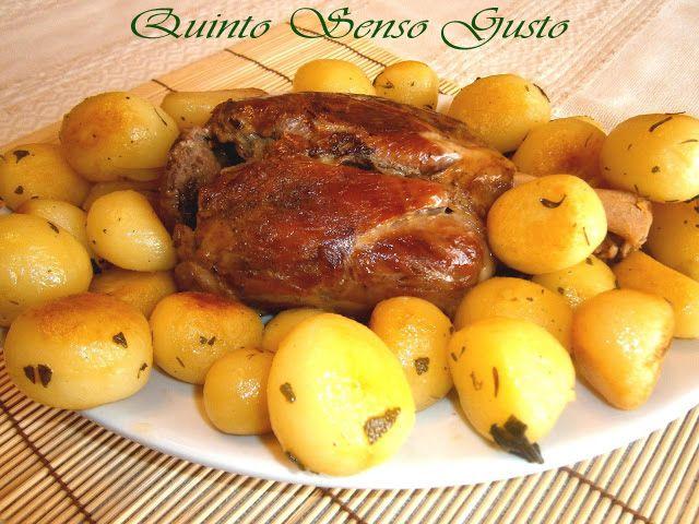 http://quintosensogusto.blogspot.it/2014/04/stinco-di-maiale-al-forno-con-patate.html?spref=pi