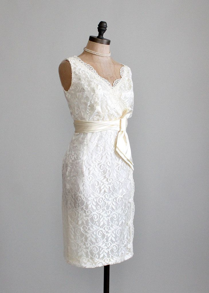 Vintage 1960s lace wedding dress she 39 s got style for Vintage lace wedding dress pinterest