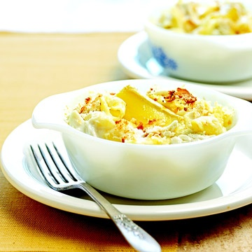 Macaroni with Crab and Brie Chunks of crab meat and brie cheese give ...