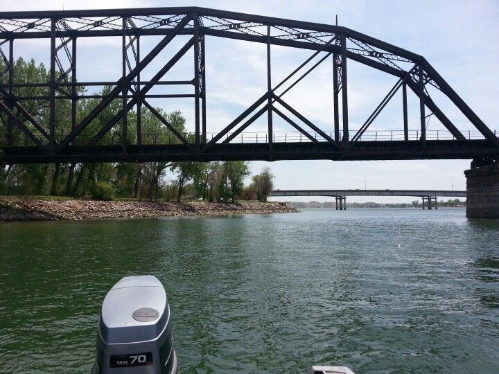 Fishing on missouri river at pierre sd my love of south for Missouri river fishing report south dakota