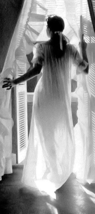 noonesnemesis:    from the Delsey toilet paper ad  photo by Lillian Bassman  1950's
