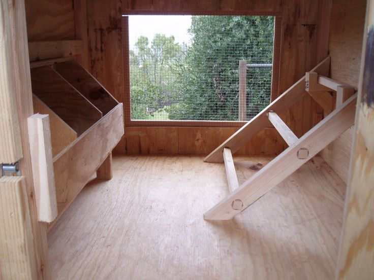 Pinterest discover and save creative ideas for Chicken coop interior designs