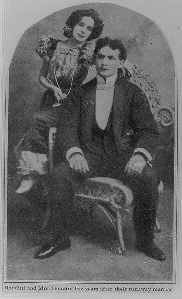 HARRY Houdini with his wife, Bess   Who?? Houdini ...