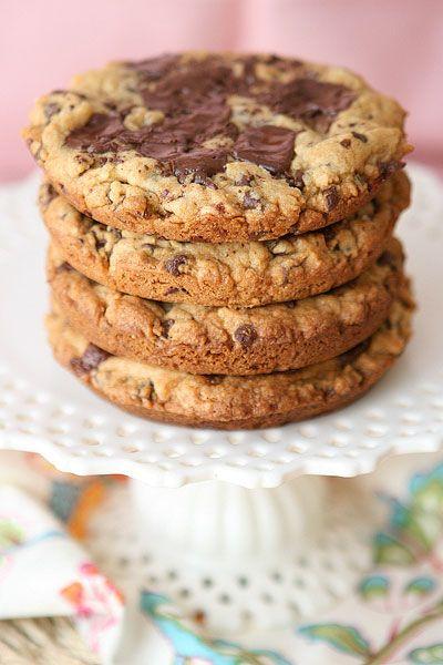 Deep Dish Cookies | I eat Cookies | Pinterest