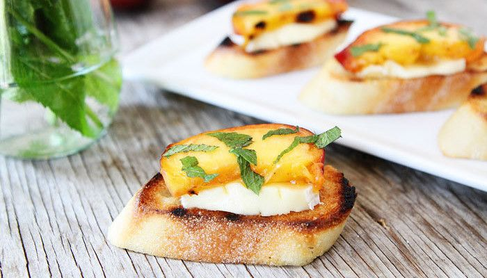 Roasted Peach Crostini Recipe — Dishmaps