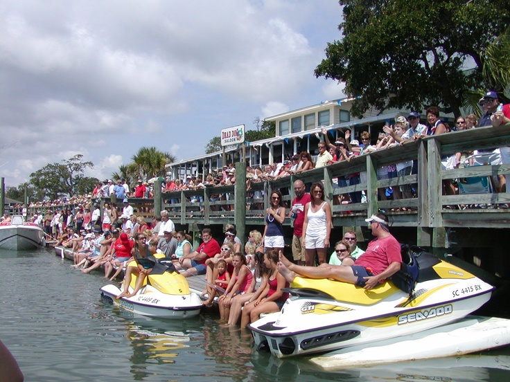 July 4th boat parade in murrells inlet sc boating in for Hot fish club murrells inlet