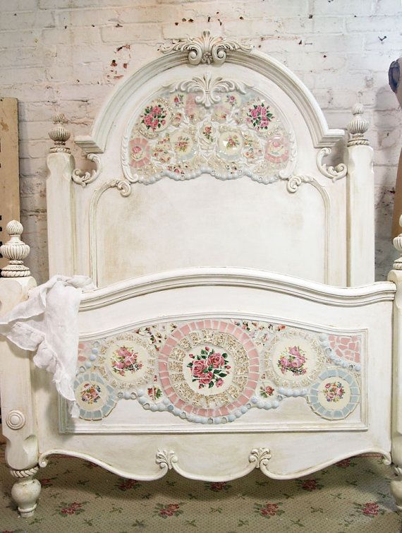 painted cottage chic shabby mosaic romanitc bed. Black Bedroom Furniture Sets. Home Design Ideas