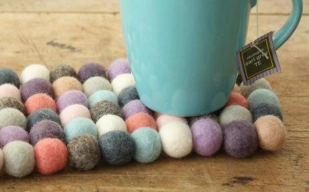 Posavasos artesanales de bolas de fieltro cab.jpg