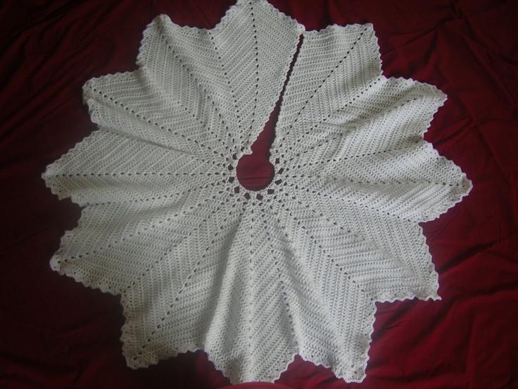 Crochet Xmas Tree Skirt : Crochet Christmas Tree Skirt.