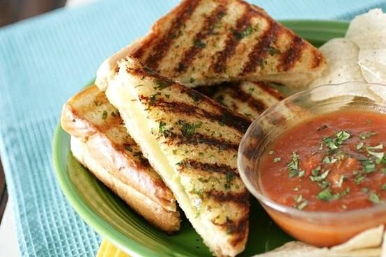 Mexican grilled cheese sandwich | yum | Pinterest
