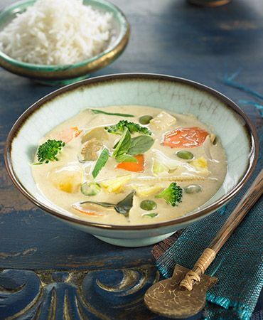 Green vegetable curry soup