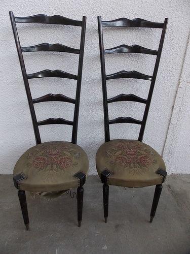 paire de chaises anciennes en acajou haut dossier style. Black Bedroom Furniture Sets. Home Design Ideas