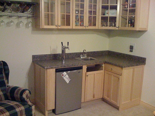 Corner wet bar for the sports room for the home pinterest - Corner wet bar designs ...