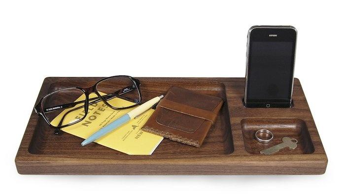 Apple Docking Tray  By Hekseskudd
