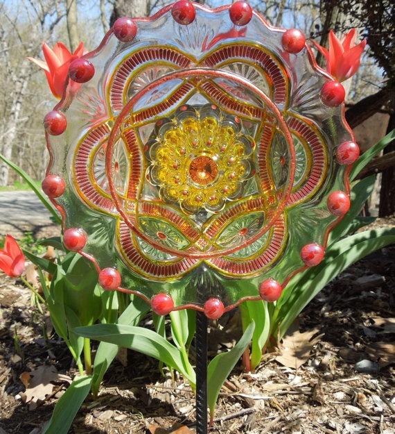 recycled glass garden flower by GlassBlooms (Jennifer Pierquet) on etsy