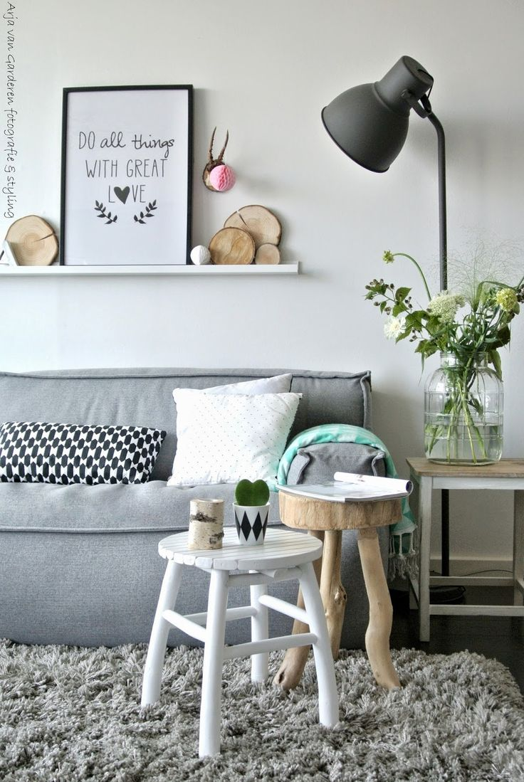 neutral colours - grey, white, black and wood, with a tiny pop of colour #glasschuhloves