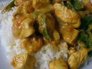 Gulasz curry z kurczaka