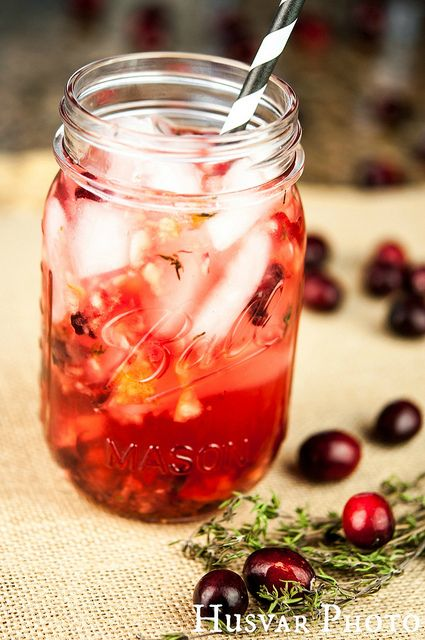 Skinny Thyme & Cranberry Cocktail - holiday cocktails