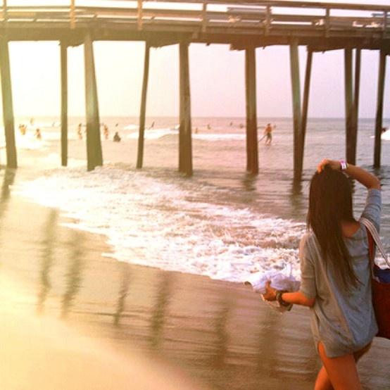 A stroll on the beach <3    #AmericanBoardwalk