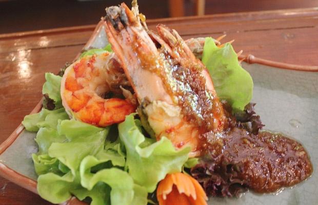 chilis garlic pepper blue cheese burgers thai pepper garlic prawns ...