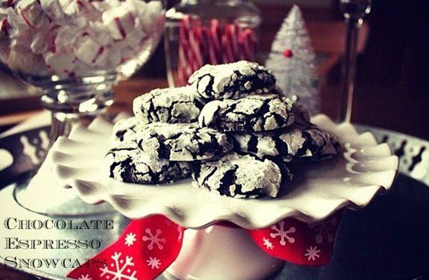 Chocolate Espresso Snowcaps Recipe - RecipeChart.com #Christmas # ...