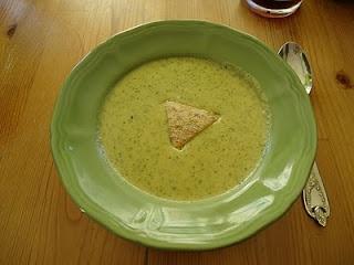 Easy Cheesy Broccoli Soup