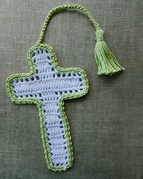 Crochet Cross : Picture of Cross Bookmarks in Thread Crochet Pattern