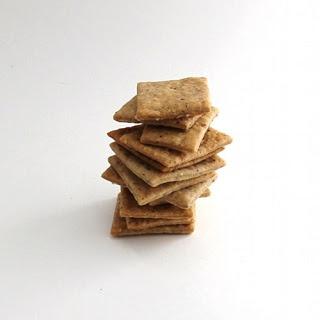 Walnut crackers. Yes, please. | Om nom nom | Pinterest