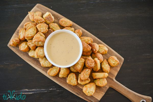 Cheese and Beer dip for pretzels....!!!