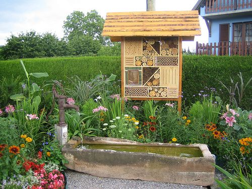 H tel pour insectes cabane insectes pinterest - Hotel a insectes ...