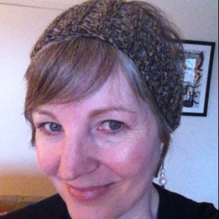 Free Knitting Pattern - Calorimetry Head Scarf from the