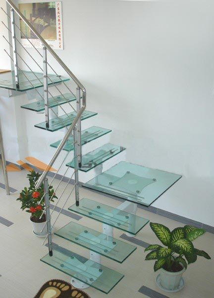 Glass Stair Treads Is A New Trend In Staircases Disign
