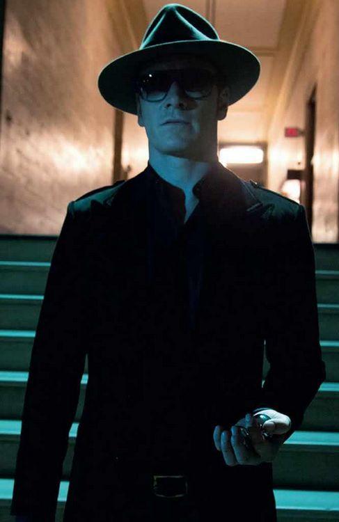 Michael Fassbender as Magneto. Mmm.   Be-YOU-tiful ...