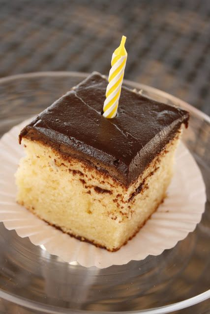 yellow cake with chocolate frosting | Yummy treats | Pinterest