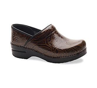 Comfiest shoes ever for working! - @Penny Lindballe Vincett | Dansko