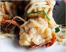 lobster yee mein lobster noodles recipe easy asian recipes at ...