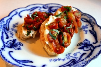 Garlic and Herb Cheese Crostini with Summer Tomato Sauce | Recipe