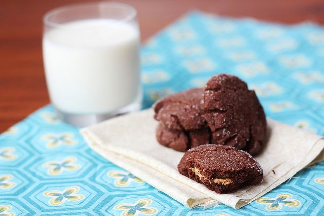 Chocolate Peanut Butter Surprise Cookies OMG I'm so glad I found this ...